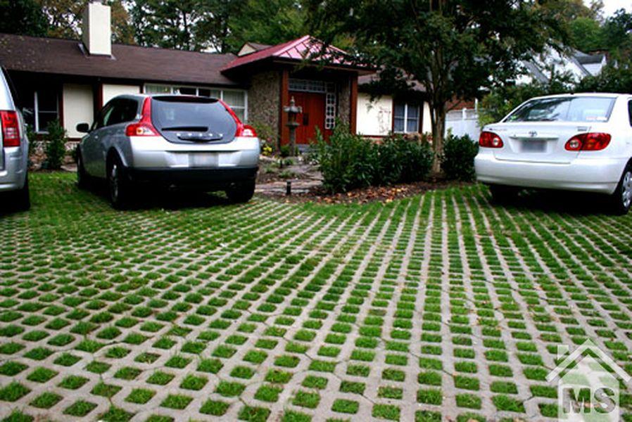 Стоянка для авто на даче из тротуарной плитки
