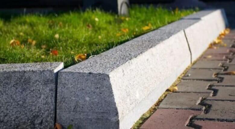 дорожный бордюрный камень ФОТО